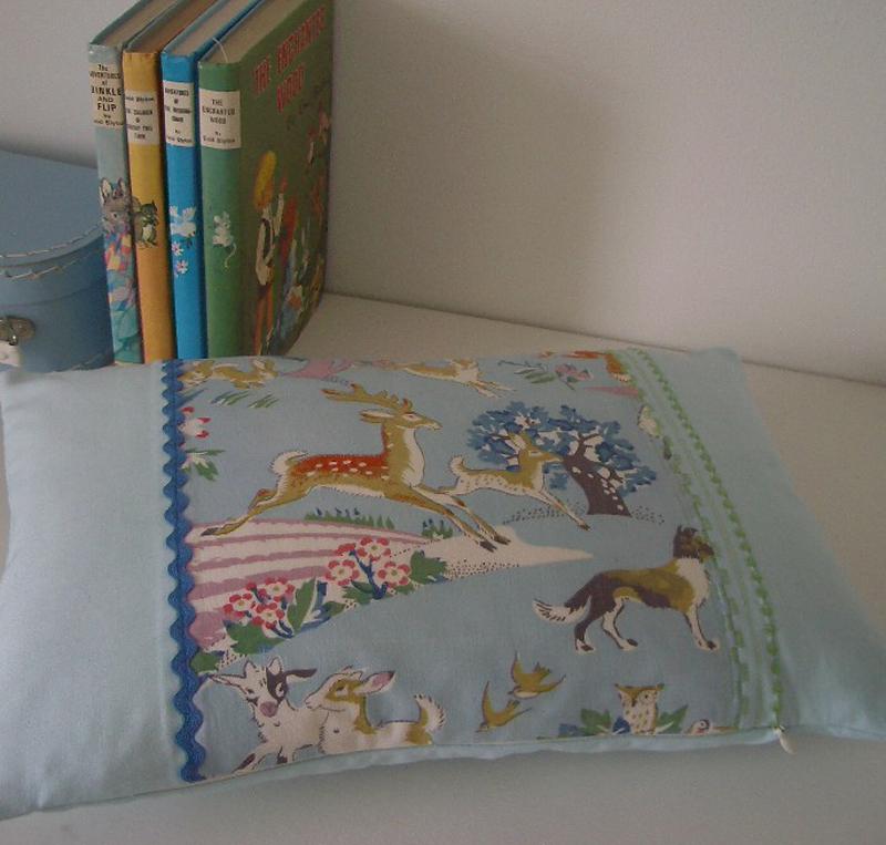 Woodlandcushion&books
