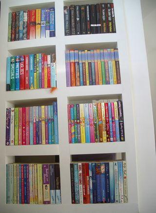 Livvybookshelves